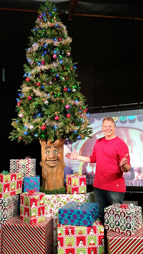 Animatronic Christmas Tree by Axtell Expressions