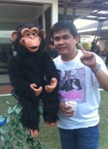 Hands-Free Cheeky Monkey with Wanlu