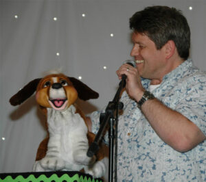 Kimmo performs Puppy Love at KAX