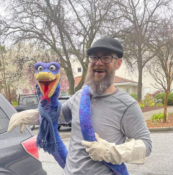 Mike Guthrie - Snake Puppet with Bird Arm Illusion